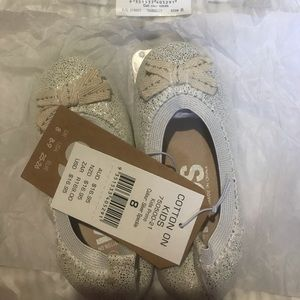 New with tag Cotton On Kids Flats (silver speckle)